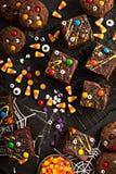 Σπιτικές απολαύσεις τεράτων σοκολάτας brownies για αποκριές Στοκ Εικόνες