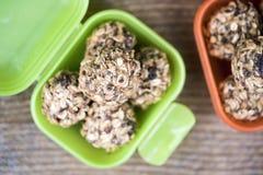 Σπιτικές καραμέλες σφαιρών granola Στοκ Φωτογραφίες