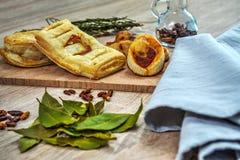 Σπιτικές μικρές πίτσες Στοκ Φωτογραφίες
