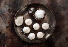 Σπιτικές τρούφες γλυκών καρύδων Στοκ εικόνες με δικαίωμα ελεύθερης χρήσης