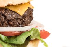 Σπιτικές Burger και τηγανιτές πατάτες στοκ φωτογραφίες