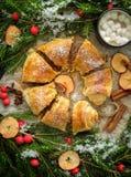 Σπιτική ζύμη Χριστουγέννων Strudel της Apple κονιοποιημένα πίτα WI ζάχαρης Στοκ φωτογραφία με δικαίωμα ελεύθερης χρήσης