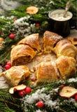 Σπιτική ζύμη Χριστουγέννων Strudel της Apple κονιοποιημένα πίτα WI ζάχαρης Στοκ εικόνες με δικαίωμα ελεύθερης χρήσης