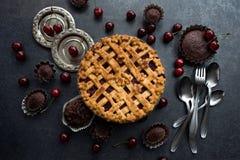σπιτική πίτα κερασιών στοκ φωτογραφία με δικαίωμα ελεύθερης χρήσης