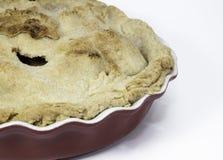 Σπιτική πίτα της Apple στο κεραμικό πιάτο Στοκ φωτογραφίες με δικαίωμα ελεύθερης χρήσης