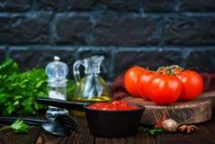 Σπιτική σάλτσα ντοματών Στοκ φωτογραφία με δικαίωμα ελεύθερης χρήσης