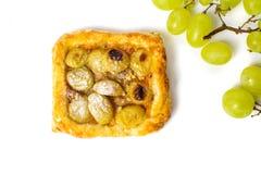 Σπιτική φέτα πιτών φρούτων στο άσπρο υπόβαθρο Στοκ Φωτογραφία