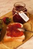 σπιτική φράουλα μαρμελάδ&al Στοκ φωτογραφία με δικαίωμα ελεύθερης χρήσης