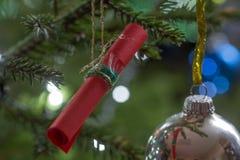 Σπιτική Χριστουγέννων σημείωση εγγράφου διακοσμήσεων κόκκινη Στοκ Εικόνα