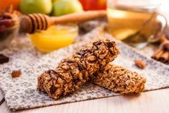 Σπιτικοί ενεργειακοί φραγμοί granola Στοκ φωτογραφία με δικαίωμα ελεύθερης χρήσης