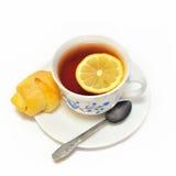 Σπιτικός croissant με το μαύρο τσάι Στοκ Εικόνες