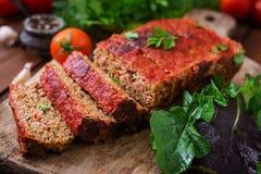 Σπιτικό επίγειο meatloaf με τα λαχανικά Στοκ εικόνα με δικαίωμα ελεύθερης χρήσης
