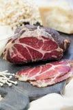 Σπιτικό θεραπευμένο κρέας Capocollo Ξηρό θεραπευμένο χοιρινό κρέας Coppa Ηλικίας κρέας χοιρινού κρέατος Charcuterie Στοκ εικόνα με δικαίωμα ελεύθερης χρήσης