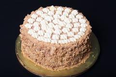 Σπιτικό κέικ του Κίεβου με το βουτύρου ντεκόρ Στοκ φωτογραφία με δικαίωμα ελεύθερης χρήσης