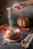 Σπιτικό κέικ bundt Στοκ Εικόνες
