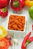 Σπιτικό κόκκινο - καυτή σάλτσα τσίλι Στοκ εικόνα με δικαίωμα ελεύθερης χρήσης