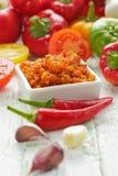 Σπιτικό κόκκινο - καυτή σάλτσα τσίλι Στοκ φωτογραφία με δικαίωμα ελεύθερης χρήσης