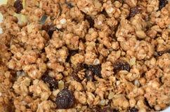 Σπιτικό υγιές granola Θρεπτική καλοσύνη Τραγανός και γλυκός Στοκ Εικόνες