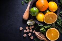 Σπιτικό υπόβαθρο συστατικών λεμονάδας Στοκ φωτογραφίες με δικαίωμα ελεύθερης χρήσης