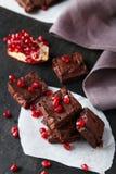 Σπιτικό φοντάν σοκολάτας με το ρόδι Στοκ φωτογραφία με δικαίωμα ελεύθερης χρήσης