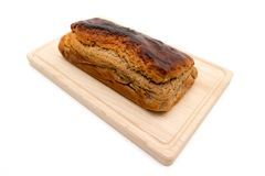 Σπιτικό φρέσκο plumcake που απομονώνεται στο άσπρο υπόβαθρο Στοκ εικόνα με δικαίωμα ελεύθερης χρήσης