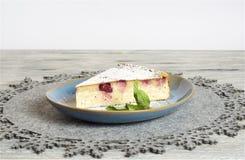 Σπιτικό cheesecake κερασιών στοκ εικόνα