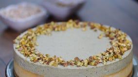 Σπιτικό cheesecake φυστικιών Γλυκά τρόφιμα απόθεμα βίντεο