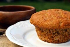 Σπιτικό muffin πίτουρου στοκ εικόνες