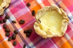 Σπιτικό Pasteis de nata, επιδόρπιο της Πορτογαλίας στοκ φωτογραφία με δικαίωμα ελεύθερης χρήσης