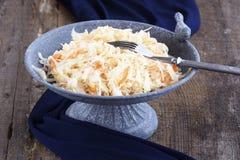 Σπιτικό Sauerkraut με τα καρότα Στοκ εικόνες με δικαίωμα ελεύθερης χρήσης