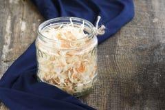 Σπιτικό Sauerkraut με τα καρότα Στοκ φωτογραφία με δικαίωμα ελεύθερης χρήσης