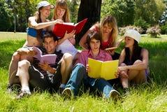 σπουδαστές ομάδας κολ&lam Στοκ Φωτογραφία