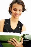 σπουδαστής ανάγνωσης κοριτσιών εφηβικός Στοκ Εικόνες