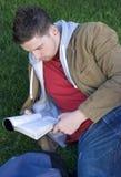 σπουδαστής ανάγνωσης στοκ εικόνα