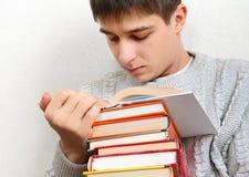 Σπουδαστής με βιβλία Στοκ Φωτογραφίες