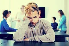 Σπουδαστής αγοριών που αισθάνεται ανήσυχος στοκ φωτογραφία με δικαίωμα ελεύθερης χρήσης