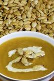 Σπόροι κολοκύθας και σούπα κολοκύθας Στοκ φωτογραφία με δικαίωμα ελεύθερης χρήσης
