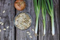 Σπόροι κολοκύθας στο κρεμμύδι Στοκ εικόνα με δικαίωμα ελεύθερης χρήσης