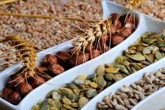 σπόροι ξηρών καρπών δημητρια&kap Στοκ φωτογραφίες με δικαίωμα ελεύθερης χρήσης
