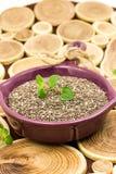 Σπόροι Chia σε ένα ξύλινο υπόβαθρο Στοκ εικόνες με δικαίωμα ελεύθερης χρήσης