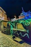 Στάβλοι Χριστουγέννων που διακοσμούνται με τους αριθμούς ελαφιών πυράκτωσης στην παλαιά Ρήγα Στοκ Εικόνες