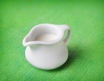 Στάμνα του γάλακτος στοκ εικόνες