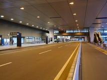 Στάσεις λεωφορείου στο τερματικό 2 αερολιμένων Narita το πρωί Στοκ Εικόνες