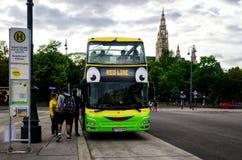 Στάση λεωφορείου γύρου επίσκεψης της Βιέννης Στοκ Φωτογραφία