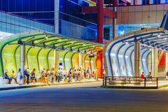 Στάση λεωφορείου Banqiao τη νύχτα Στοκ Εικόνες