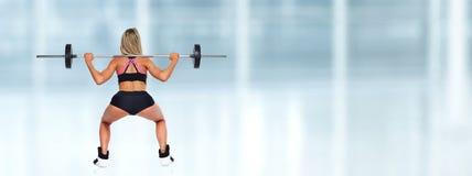 Στάση οκλαδόν γυναικών barbell Στοκ φωτογραφία με δικαίωμα ελεύθερης χρήσης