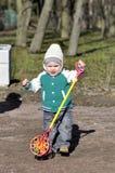 Στάση παιδάκι με το παιχνίδι Στοκ εικόνες με δικαίωμα ελεύθερης χρήσης