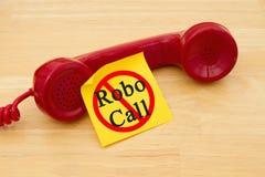 Στάση που παίρνει μια κλήση από ένα Robocall Στοκ Εικόνα