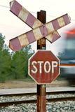 στάση σημαδιών σιδηροδρόμ&omega Στοκ φωτογραφίες με δικαίωμα ελεύθερης χρήσης