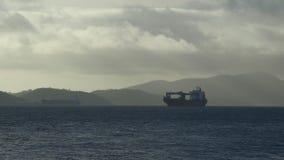 Στάσιμα σκάφη στον ωκεανό, Port-Moresby απόθεμα βίντεο
